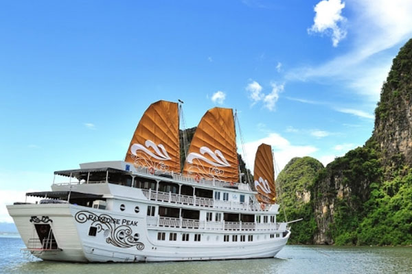 LUXURY PARADISE CRUISES (2DAYS / 1NIGHTS - 3DAYS / 2NIGHTS)