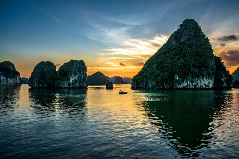 HANOI - HALONG - SAPA - HANOI (6 DAYs - 5 NIGHTs)