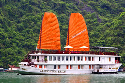 02 NIGHTS IN DELUXE ROOM & 1 NIGHT ON INDOCHINA SAILS LUXURY JUNK (4 DAY 3 NIGHT)